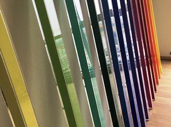 Gekleurde buizen van transparant PMMA